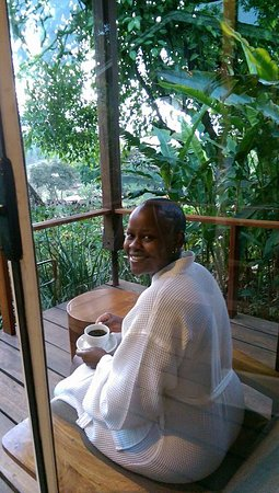 Karatu, Τανζανία: Morning coffee in the veranda.