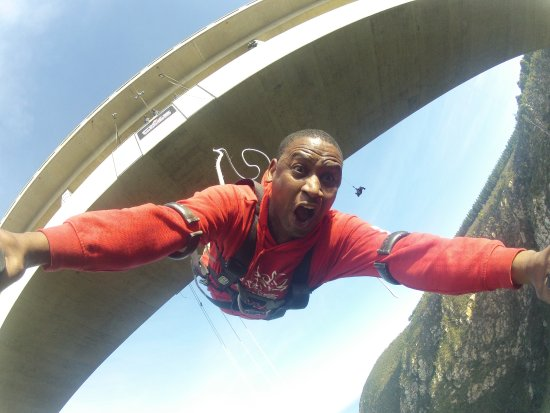 Face Adrenalin - Bloukrans Bungy: Feel the rush