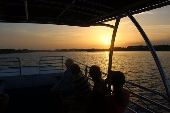 Scenic and Sunset Boat Tours