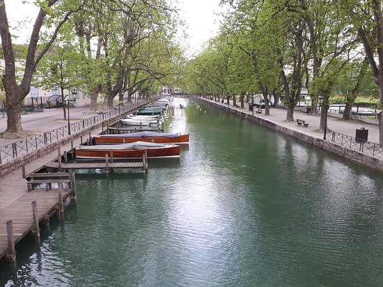 lake annecy picture of pont des amours annecy tripadvisor. Black Bedroom Furniture Sets. Home Design Ideas