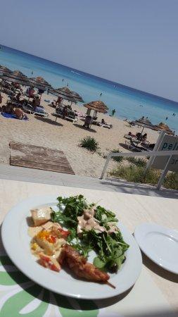 Nissi Beach Resort: Mitagessen