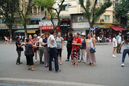 Hang Gai Street (Street of Hemp) : 1 Hang Gai Street
