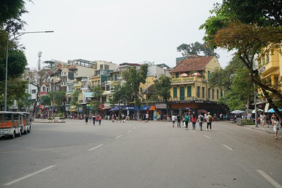 Hang Gai Street (Street of Hemp) : 4 Hang Gai Street