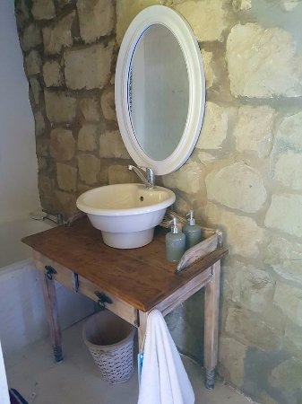Fouriesburg, South Africa: Strandloper: En-suite bathroom with a bath