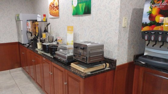 Peru, IL: Breakfast area with waffles and more
