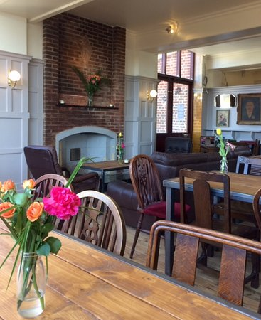 Catford Bridge Tavern, London - Restaurant Reviews, Photos