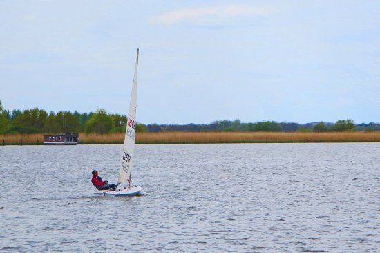 Stalham, UK: Racing with the wind behind you, Oulton harbour