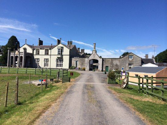 County Cavan, Ireland: Main Drive way enternace