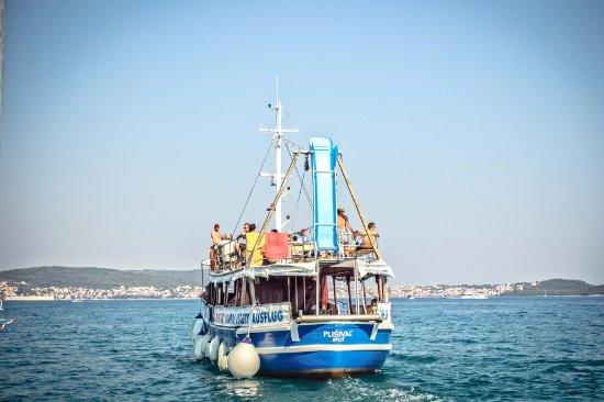 Three Island Tour: Boat Plišivac