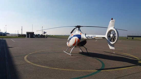 Lelystad, Pays-Bas : Trial lesson helicopter Guimbal Cabri G2