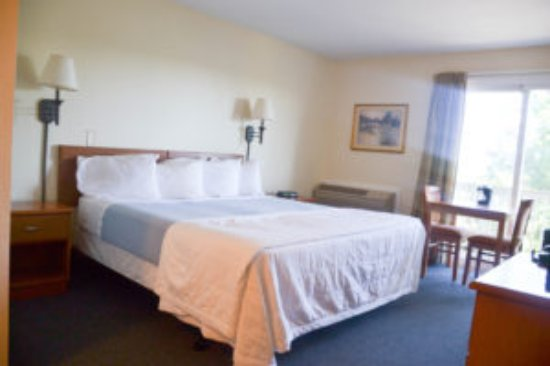 Farmington, NY: Standard Room