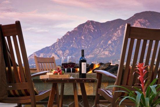 Cheyenne Mountain Resort Colorado Springs, A Dolce Resort: Mountain View Terrace Fire Pit