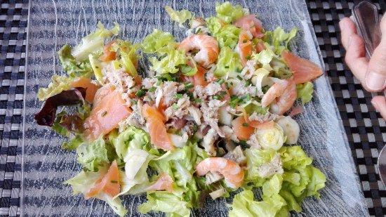 Salade de la mer picture of restaurant du beau rivage for Au beau rivage la cuisine