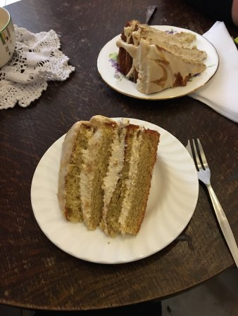 Abbots Bromley, UK: Banana & Butterscotch cake