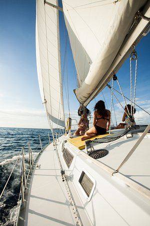 Sailing Conchal Day Tours: So close to Tamarindo, yet so far....