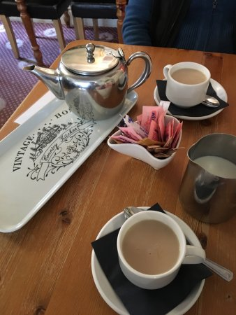 Warkworth, UK: Teatime