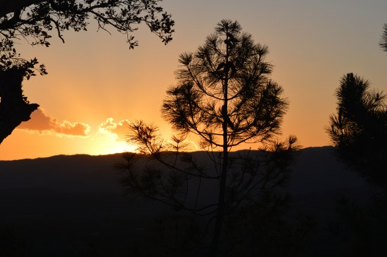 Cogolin, Francia: Coucher de soleil depuis la chambre magnifique non ?
