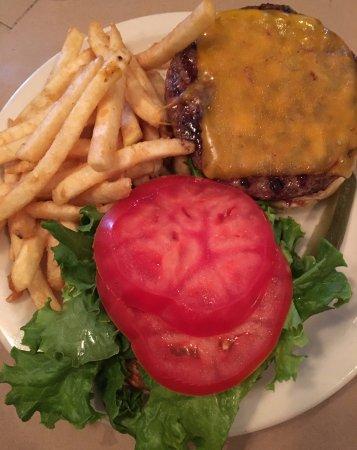 Plainville, كونيكتيكت: burger