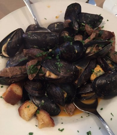 Plainville, CT: mussels
