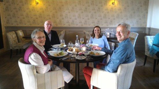Hellevoetsluis, Nederland: Sympa la table ronde