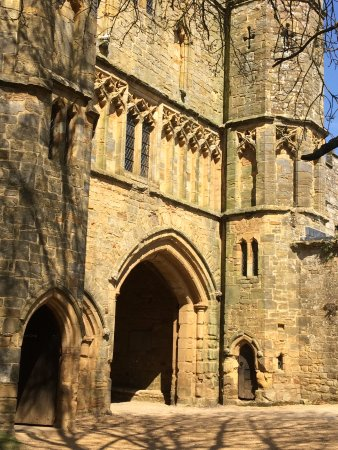 Battle Abbey Entrance 18th April 2017