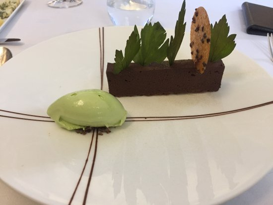 West Hoathly, UK: Chocolate and lovage dessert