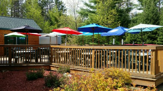 Tomahawk, WI: Enjoy a relaxing lunch or dinner outside on our spacious deck.
