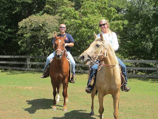 Cullowhee, NC: Horse Stables - Family on ride