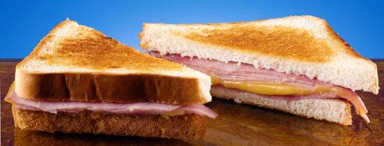 Pedrosillo el Ralo, Spain: Sanwich de jamón york y queso