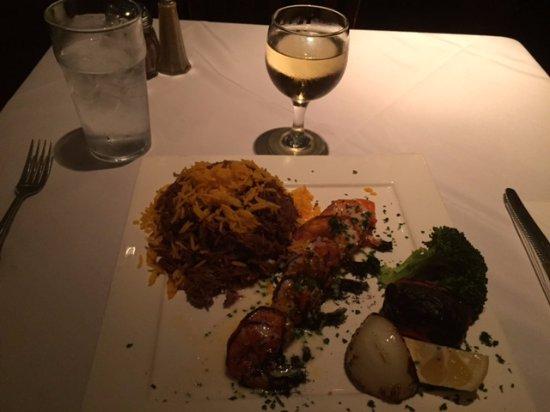Westbury, Estado de Nueva York: Grilled Shrimp with Brown Rice