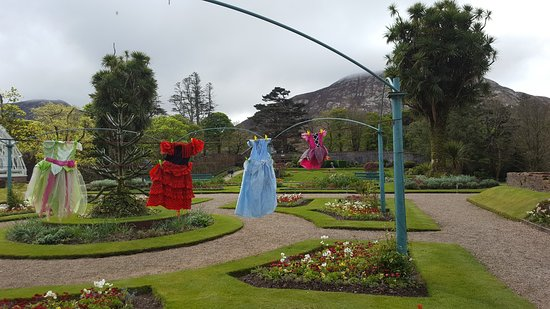 Kylemore, Irlandia: Surprise au milieu des jardins...