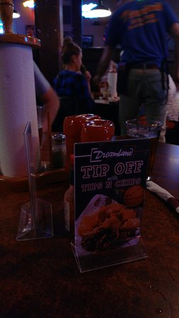 Dreamland BBQ: The table