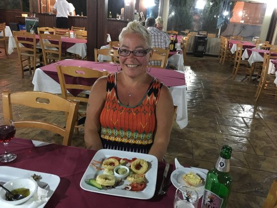 Yiannis Restaurant and Snack Bar