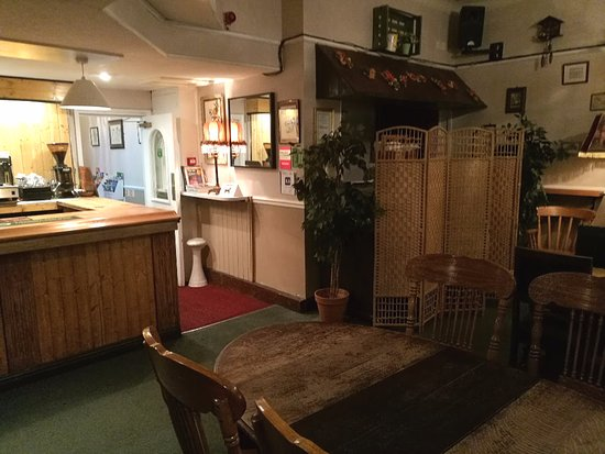 Ilkley, UK: Bar area