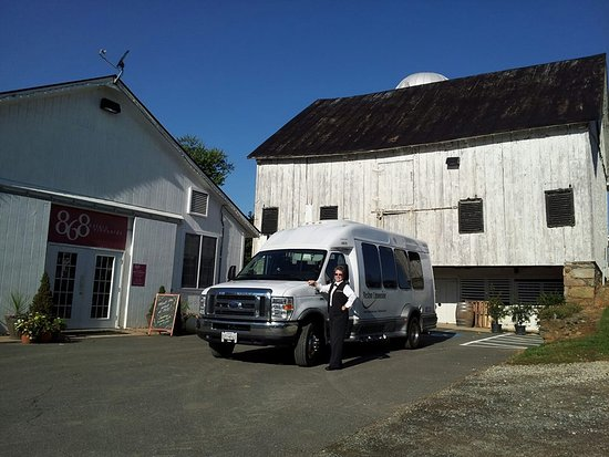 Sterling, VA: Reston Limousine provides winery tours with more than 200+ sedans, SUVs, limos, Van Terras and b