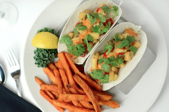 Connors Steak & Seafood: Our lunch Spicy Fish Tacos - grilled mahi mahi, pineapple chipotle salsa, voodoo sauce and cilan