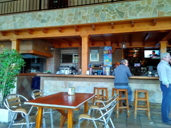 Álora, España: Bar side view