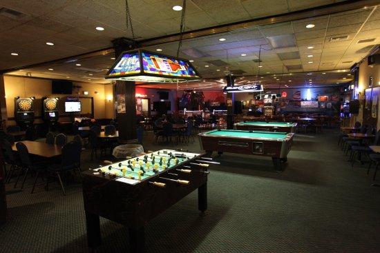National 9 Inn Gillette: Bar With Pool Tables, Darts, Karaoke