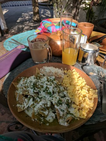 Quinta Don Jose Boutique Hotel: Chilaquiles for breakfast