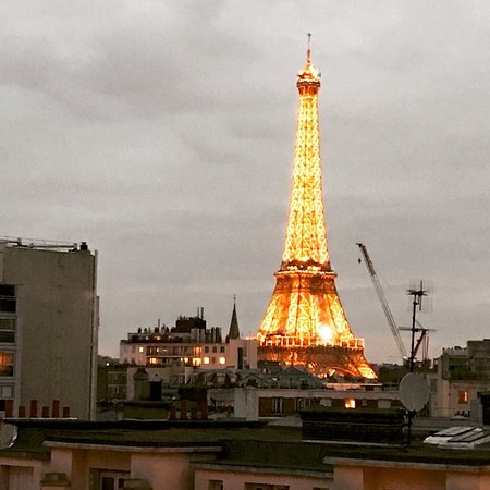 Best Western Hôtel Eiffel Cambronne : Lovely view from our room