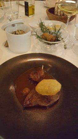 Le Castellet, ฝรั่งเศส: Le pigeon, filet, cuisse et abatis.