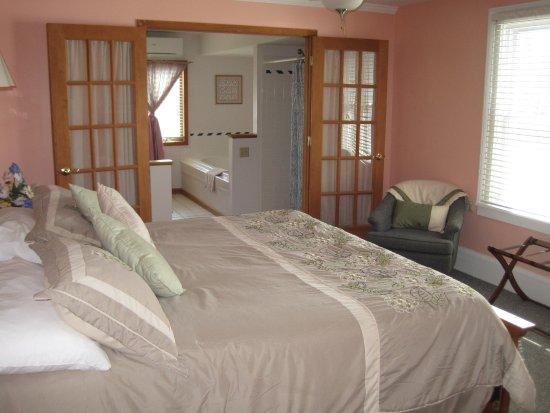 Driftwood Inn Bed And Breakfast Ovid Ny