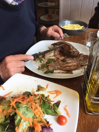 Ilchester, UK: The Rack of Lamb