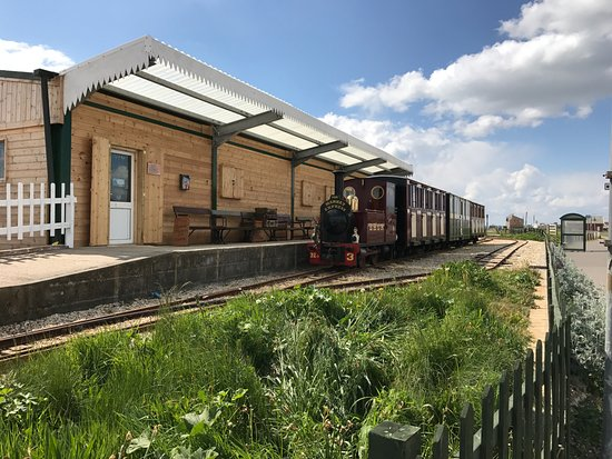 Hayling Island, UK: Next train arriving