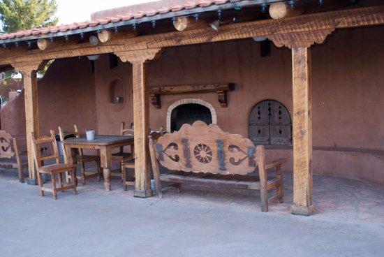Marathon, TX: Another patio/dining area