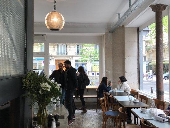 Photo of Restaurant Passager at 107 Avenue Ledru Rollin, Paris 75011, France