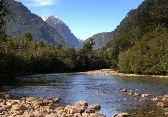 Access to Cochamo river in La Frontera Lodge