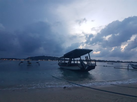 Gili Islands, Indonesia: 20170320_183636_large.jpg