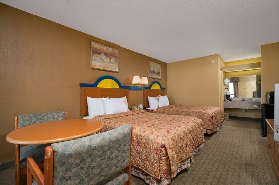 Pool - Picture of Days Inn by Wyndham Moss Point Pascagoula - Tripadvisor