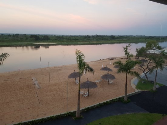 Resort Yacht y Golf Club Paraguayo: El mejor hotel de Asunción. Es increíble. Hermoso, bien ubicado, la mejor atención.. ...
